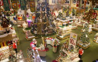 Bronner's_Christmas_Wonderland