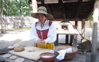 JS-fort-kneading-bread